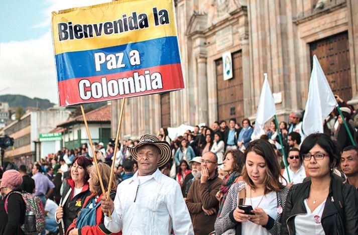 Demonstration im Zusammenhang mit dem  Friedensabkommen zwischen der kolumbianischen Regierung und der FARC