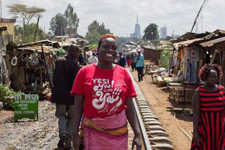 Editar Ochieng ist eine Menschenrechtsverteidigerin aus Kibera (Nairobi).