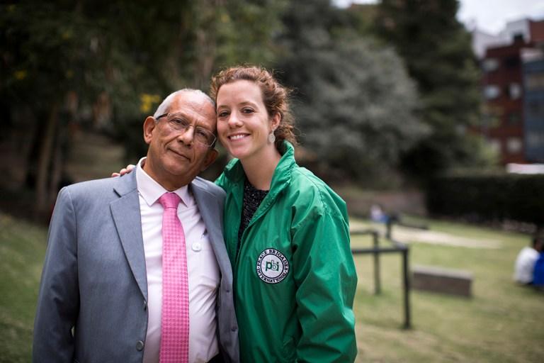 Eduardo Carreño, Anwalt von CCAJAR mit der pbi-Freiwilligen Delphine Taylor
