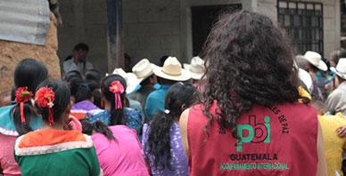 Eine pbi-Freiwillige in Guatemala