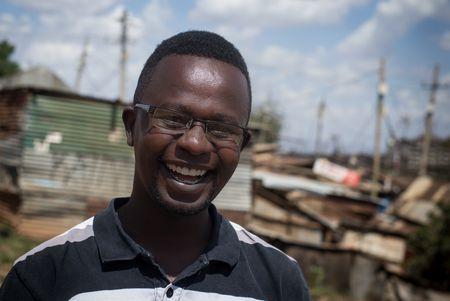 Kevin Otieno Odongo ist ein Menschenrechtsverteidiger aus Kibera (Nairobi)
