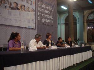 Menschenrechte in Mexiko - Abel Barrera (2.v.l.) vom Menschenrechtszentrum Tlachinollan