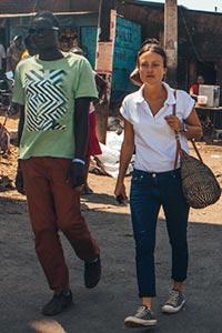 Die pbi-Freiwillige Pia Uçar in Kenia