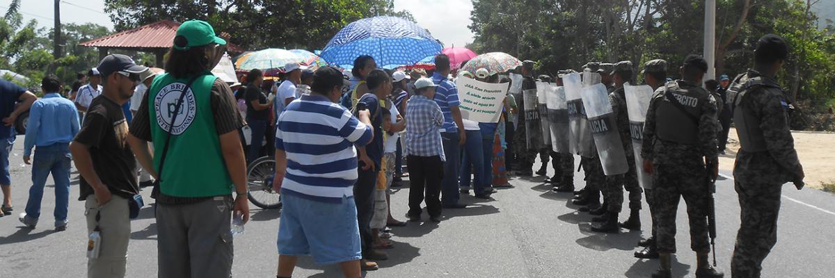 Im Einsatz für die Menschenrechte in Honduras - Die Menschenrechtsorganisation peace brigades international (pbi)