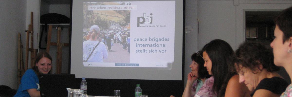 Infotag der Menschenrechtsorganisation peace brigades International (pbi) in München