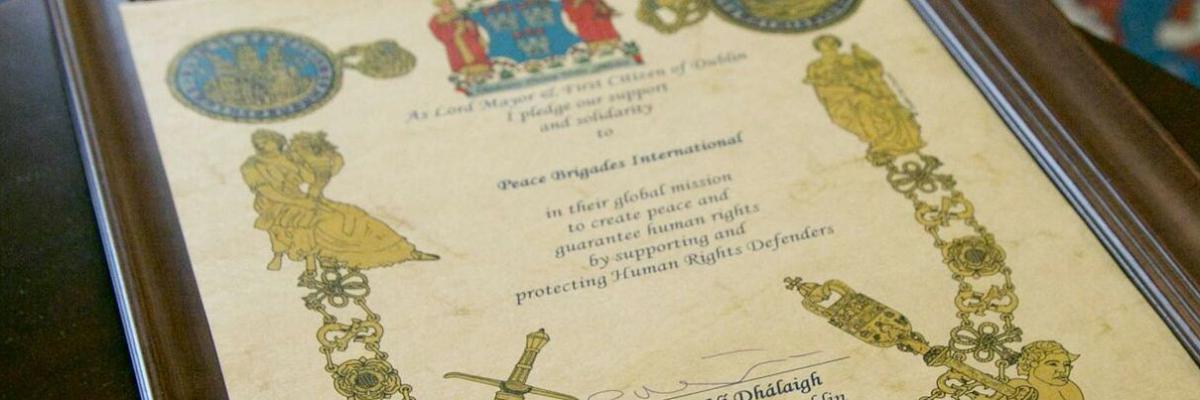 pbi hat von vielen Seiten Anerkennung erfahren. Dies wird anhand der ihr verliehenen Auszeichnungen, Menschenrechts- und Friedenspreise deutlich