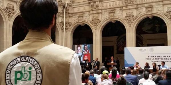 Im Einsatz für die Menschenrechte in Mexiko - Die Menschenrechtsorganisation peace brigades international